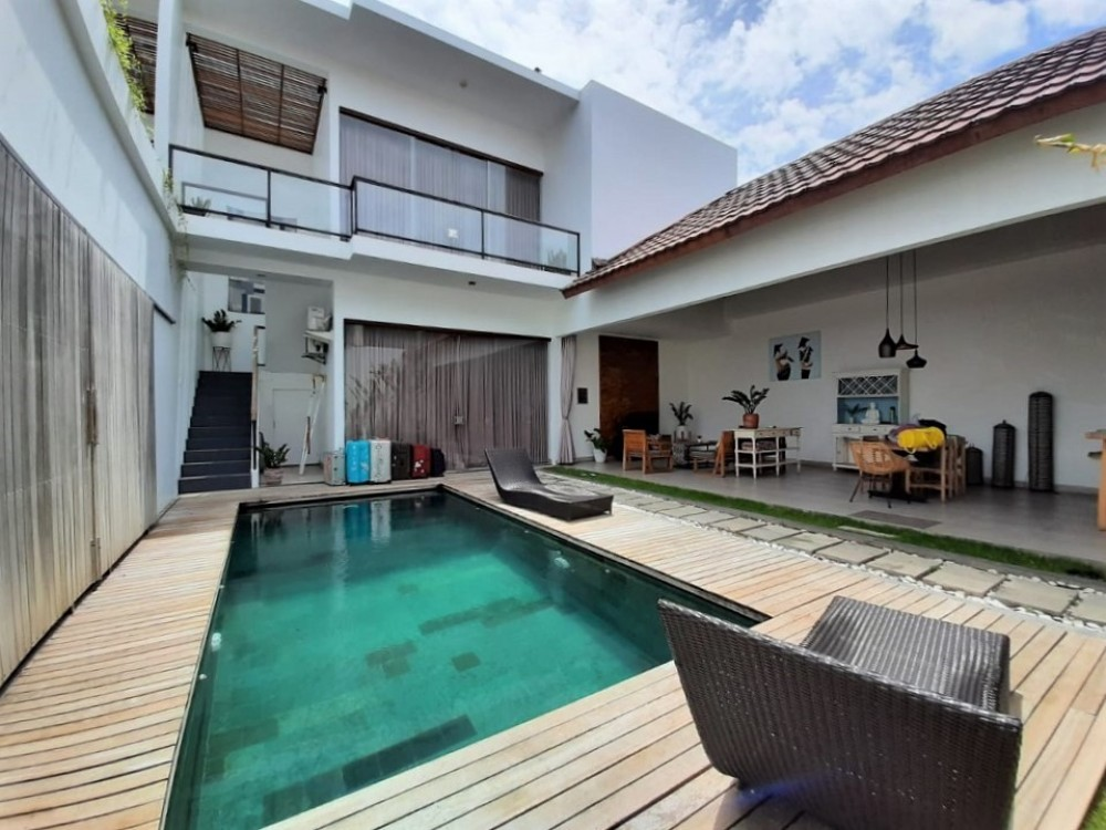 cozy nusa dua villa with a private swimming pool to enjoy a quiet holiday