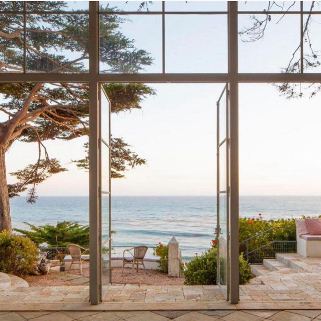 Choose A Unique and Gorgeous Design for Your Beachfront Villa Bali